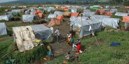 migranti campo