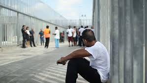 migranti in attesa